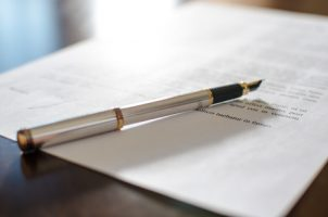 pen-cntract-id-49549469thodonal-dreamstime-com