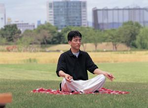 meditation-man-blanket-park