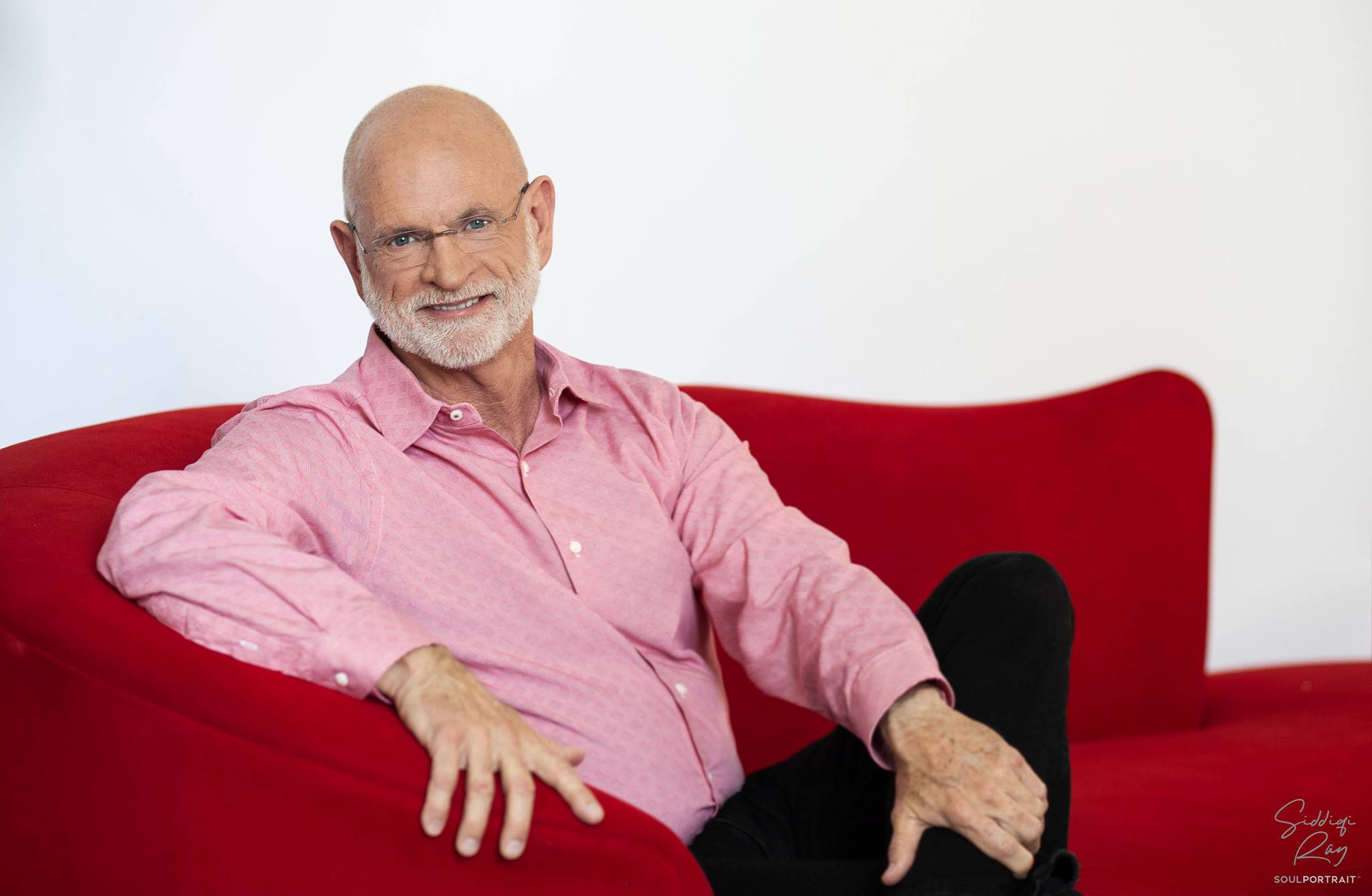 Hasselbeck-photo-sofa